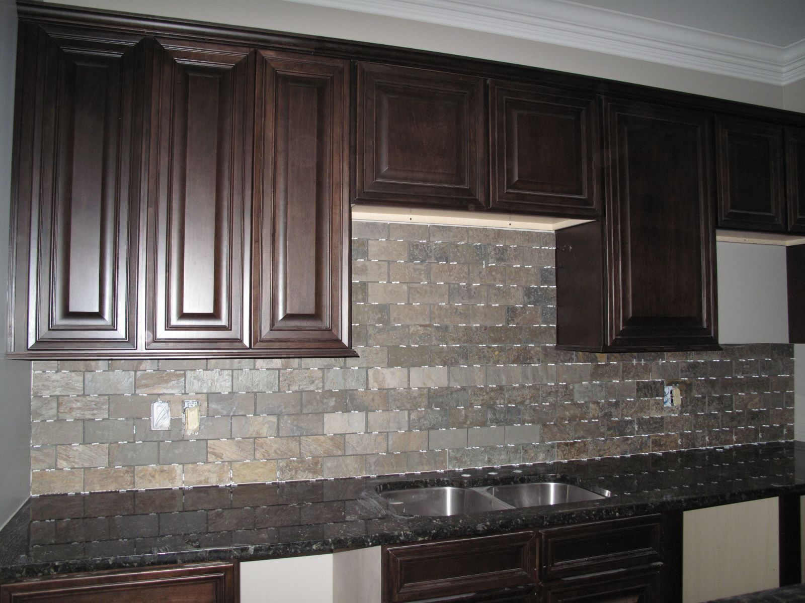 ... For Kitchen Tile Design Ideas: Sumptuous Espresso Wooden Kitchen  Cabinets With Grey Fake Stones Vinyl Slate Backsplash And Black Granite  Countertops In ...
