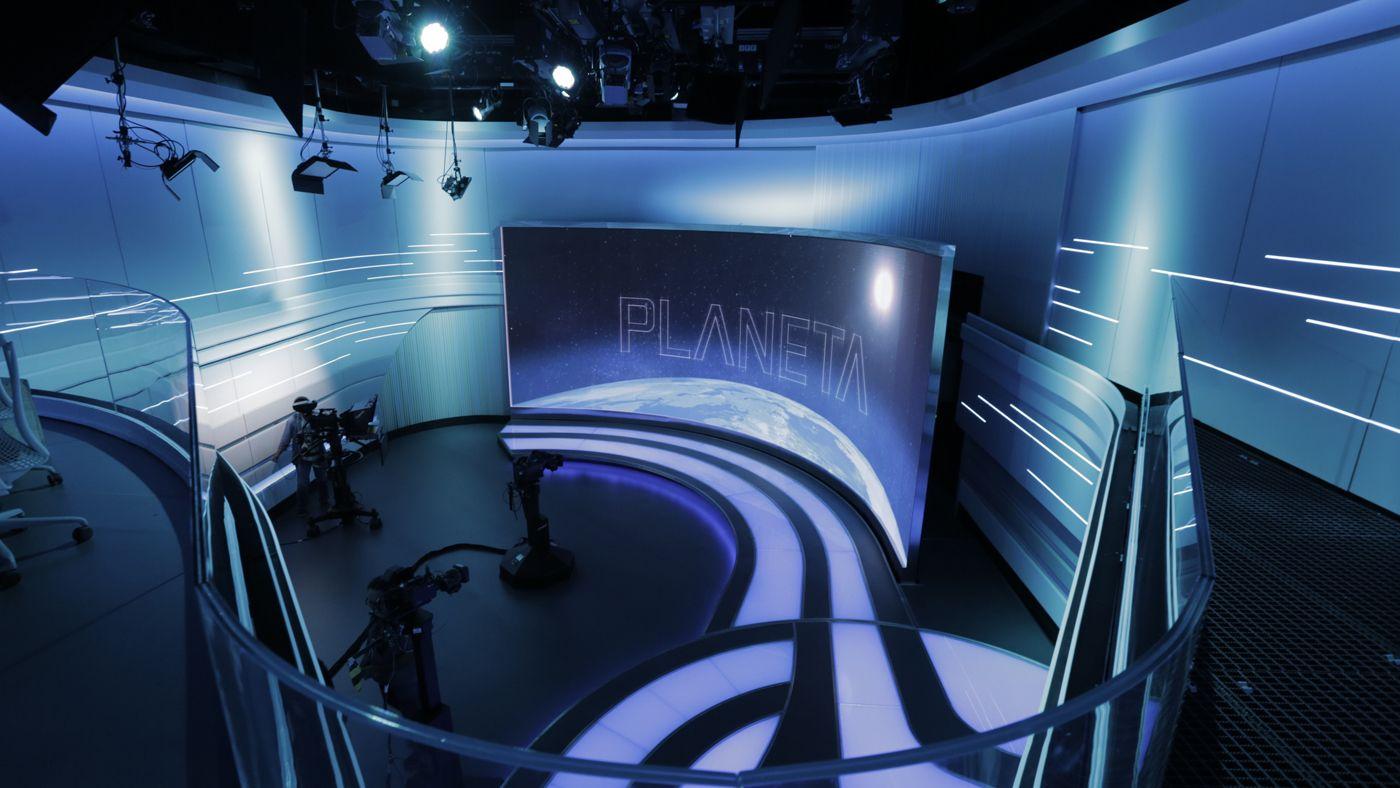 SporTV Broadcast Set Design Gallery | studio set | Stage design, Tv