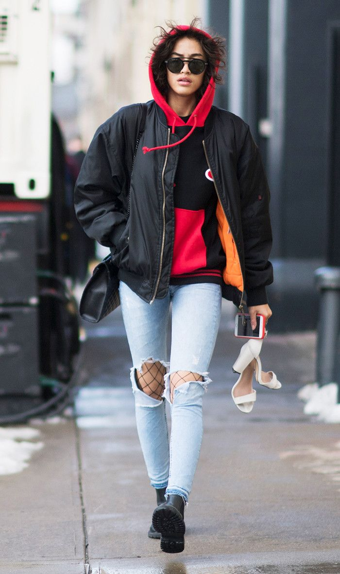The Tights Every Fashion Girl Loves Are Hiding At Walgreens Nyfw Street Style Cool Street Fashion Autumn Street Style [ 1182 x 700 Pixel ]