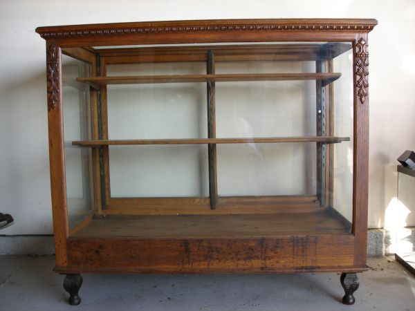 Antique Display Case Wish I Could Find One Like This Booth