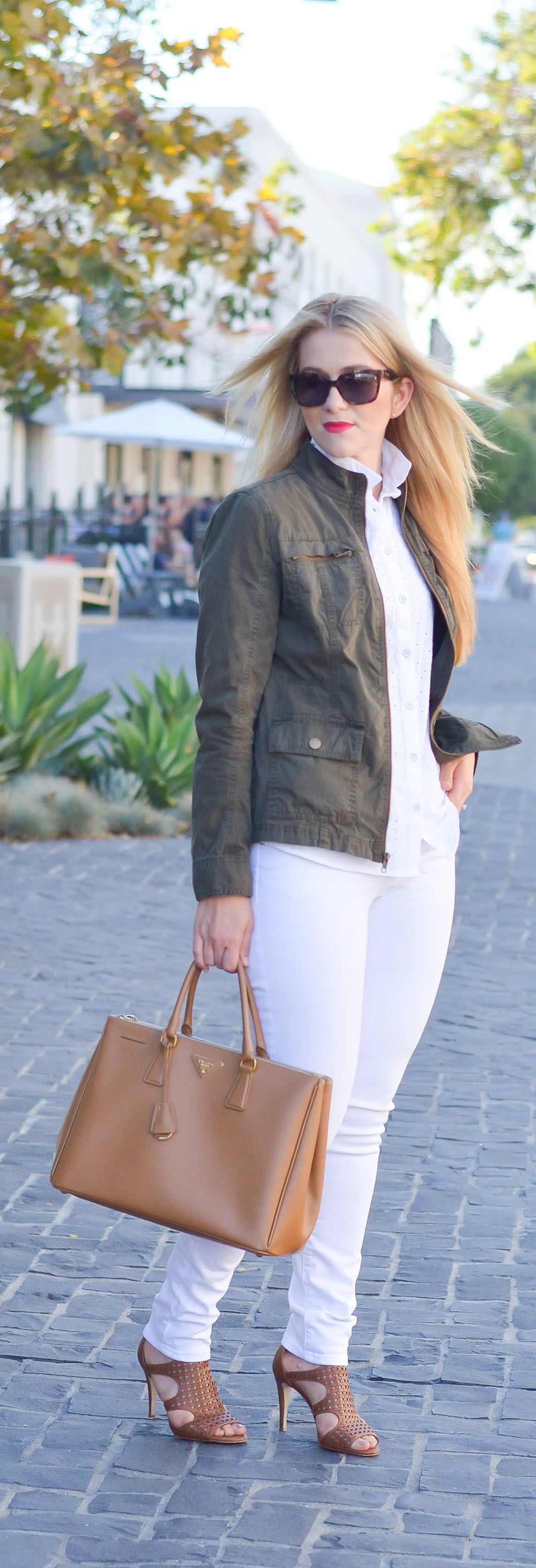 White Monochrome Outfit for Fall