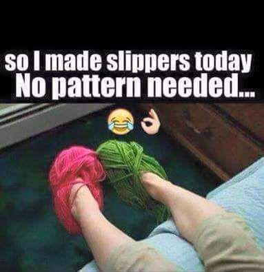 Un Poco De Humor Comenzando La Semana Y Va Dedicado A Mis Amigas Aranitas Y Al Talento Que Tienen Lunespompiao Tejid Knitting Humor Yarn Humor Crochet Humor
