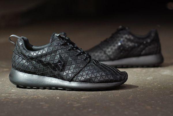 reputable site e5ca3 05809 Nike Roshe Run Metric QS