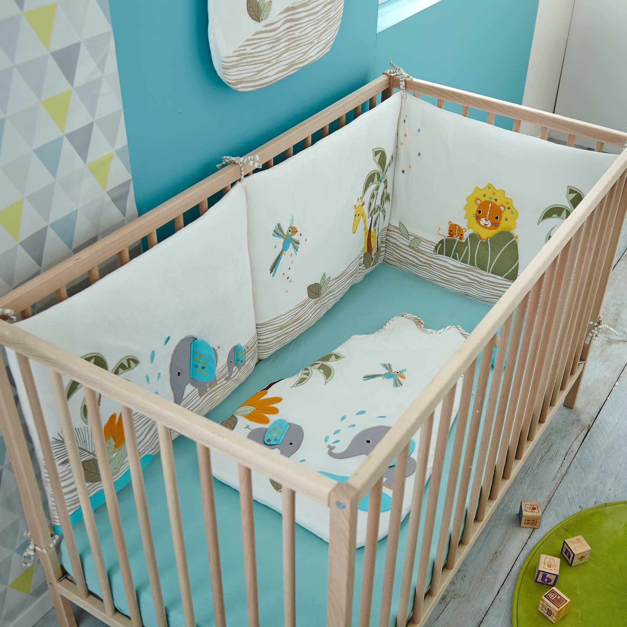 Tour De Lit En Velours Tour De Lit Decoration Chambre Enfant Deco Chambre Bebe