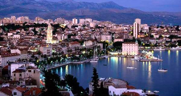 Split At Night So Looks Like Santa Barbara To Me Europe Vacation Croatia Vacation Wonders Of The World