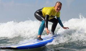 Groupon Portugal 8 Tage Anfanger Surfcamp Fur 1 Person Mit Unterricht Im Amar Hostel Suites Surf Camp In Ericeira Groupon Angeb Surf Camp Surfing Surfer