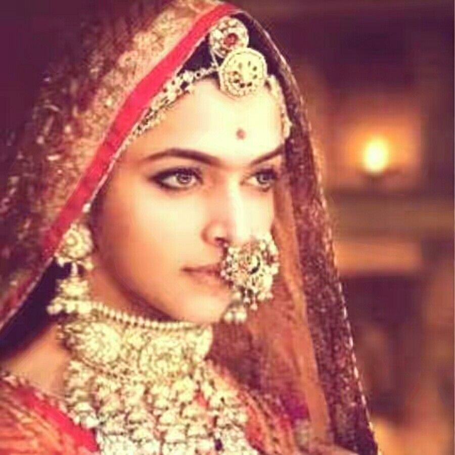 Deepika padukone from Padmavti movie | Deepika padukone ...