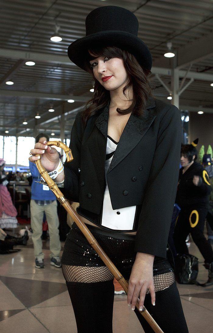 Pin on DC Cosplay: Zatanna Zatara
