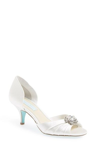 1000  ideas about Kitten Heel Wedding Shoes on Pinterest | Wedding ...