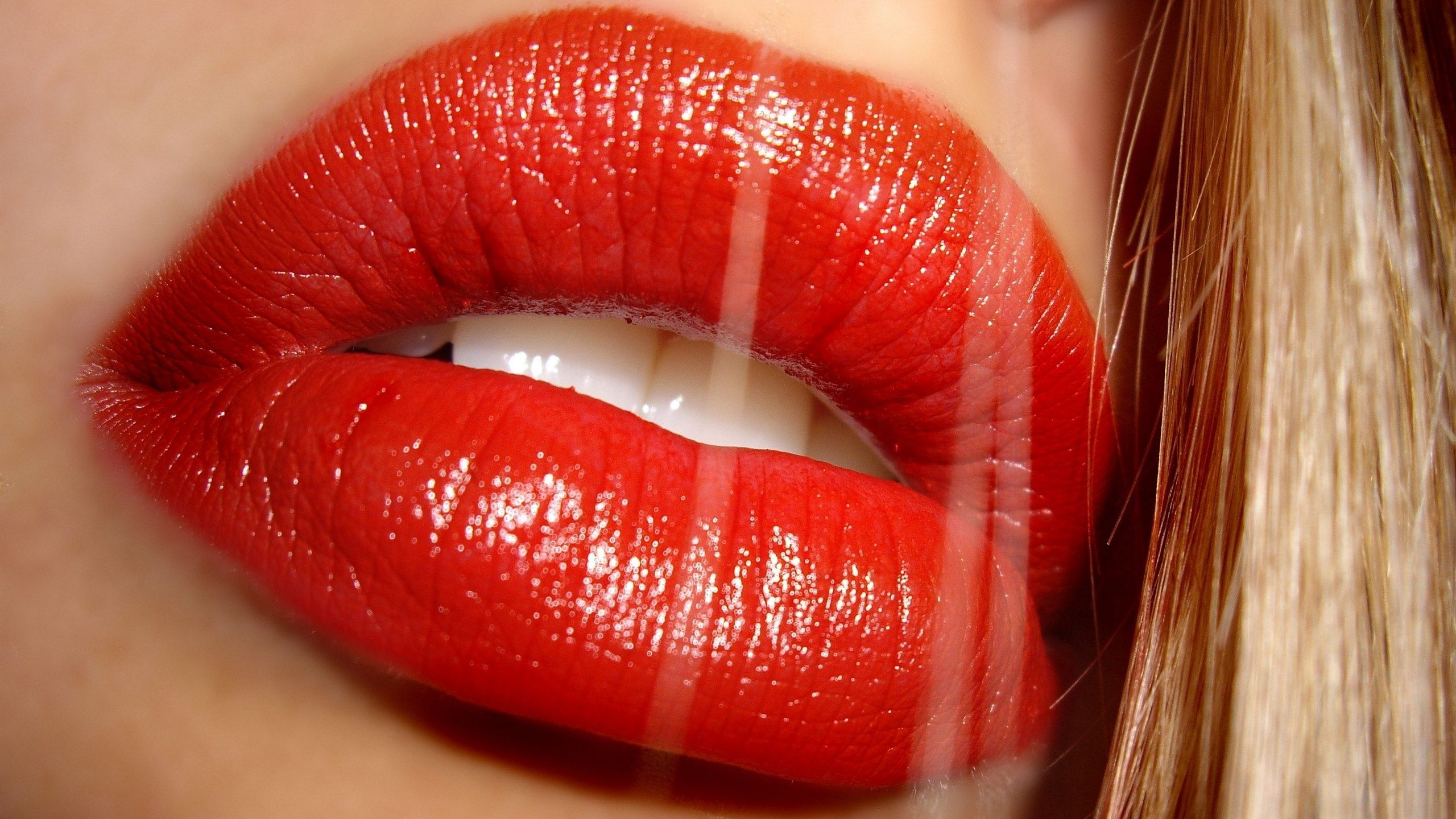 Red lipstick has been used by women for decades as a means of attracting attention. And now it has been revealed that…