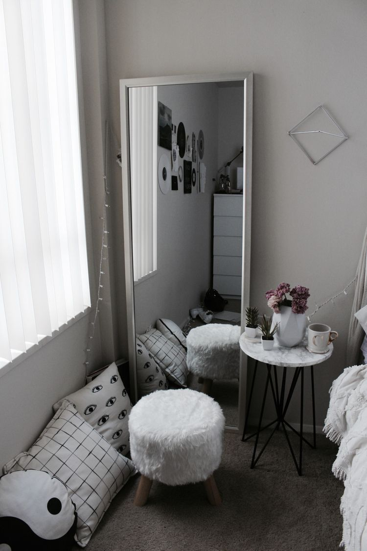 Pin By Sian Cochrane On Bedroom Girls Bedroom Makeover Room Decor Aesthetic Bedroom