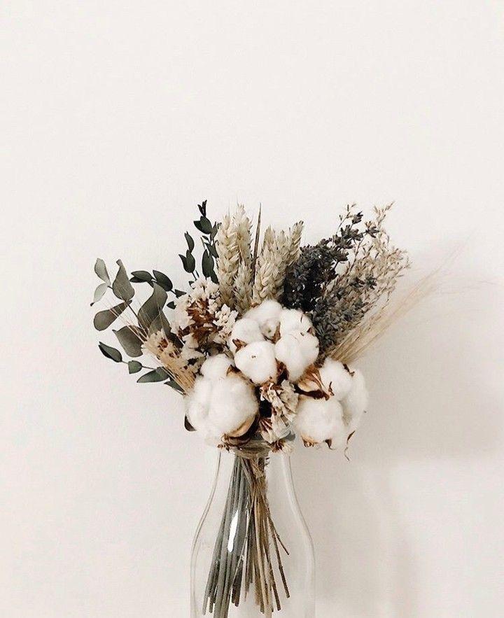 Pinterest Camilleelyse In 2020 Flower Vase Arrangements Dried Flower Arrangements Flower Arrangements