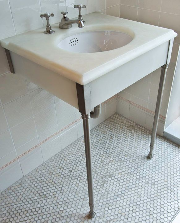 Claw Foot Sink Skirted Straight Legs In White Onyx Basin Taps: P28 LB1220  Floor Tile: V51 Penny Rounds In Cloud Nine Marble