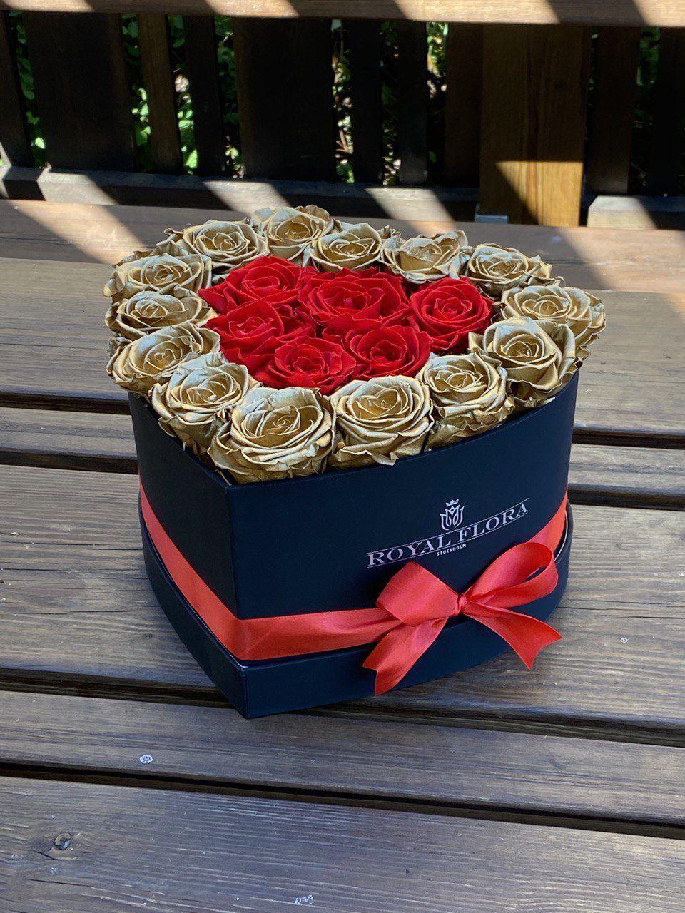 ❤️ The simplicity of a rose is what makes it so beautiful! ❤️     #Royalflorastockholm #evighetsrosor #luxuryrosor #Rosebox #roses #Royalflora #flowerlover #beautiful