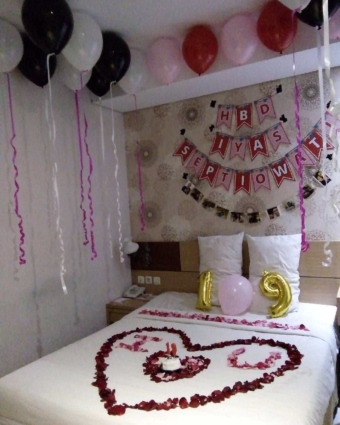 Dekorasi ulang tahun di kamar hotel dekorasi ultah ulang for Dekorasi kamar