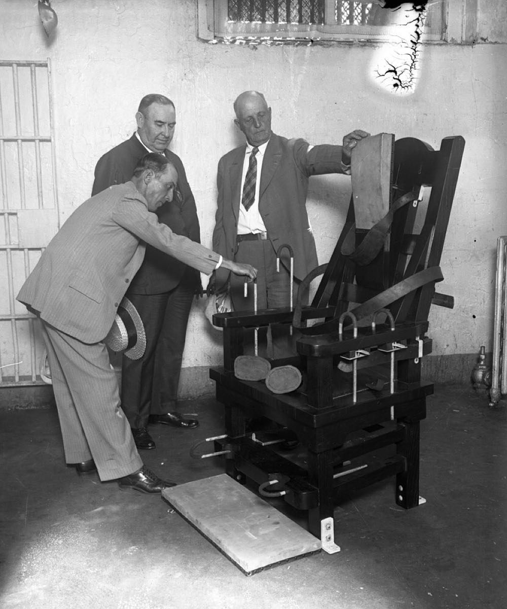 Magnificent The New Electric Chair At The Cook County Jail In 1927 Cjindustries Chair Design For Home Cjindustriesco