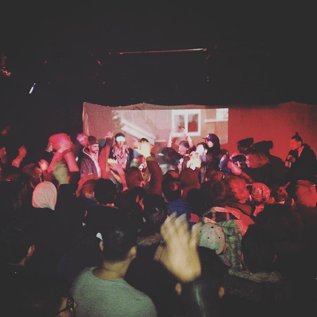 Hip Hop Junkies #spaziomusica #pavia #unipv #erasmuspavia #hiphop #rap #turntablism #breakdance #writers #beatbox by spaziomusica http://ift.tt/1HNGVsC