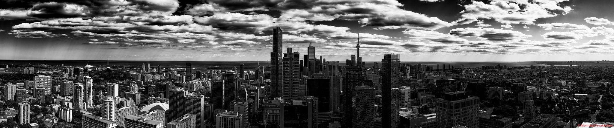 Toronto Skyline Panorama - null