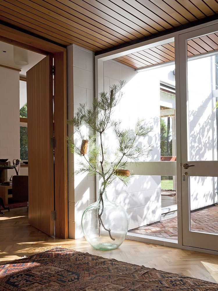 On the Market: An Iconic Midcentury House in Christchurch, New ...