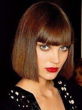 Fabuloso peinados con melena corta Colección De Cortes De Pelo Tendencias - Melena corta y recta, flequillo y labios rojos... | Bob ...