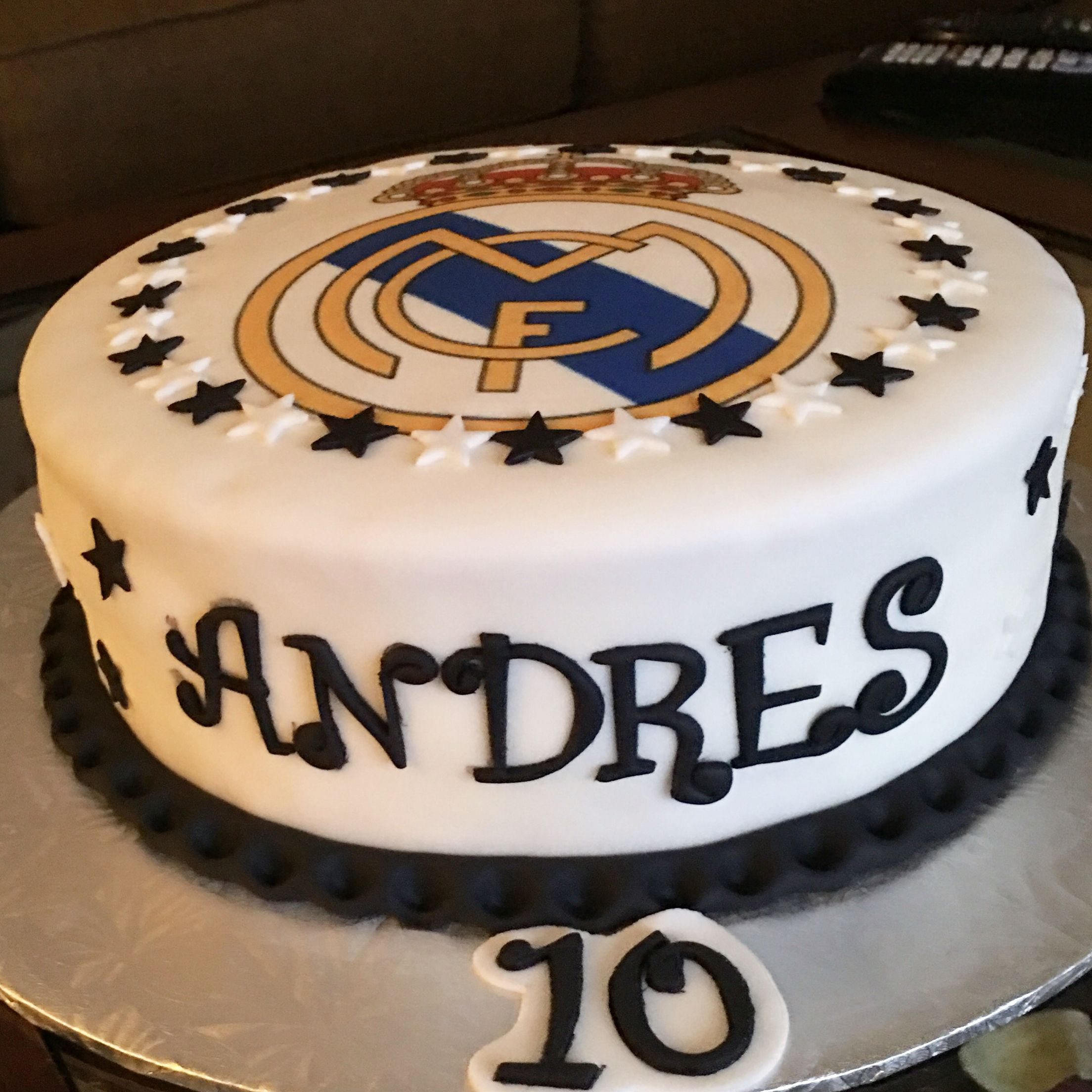 Real Madrid Cake With Images Real Madrid Cake Fondant Cakes Cake