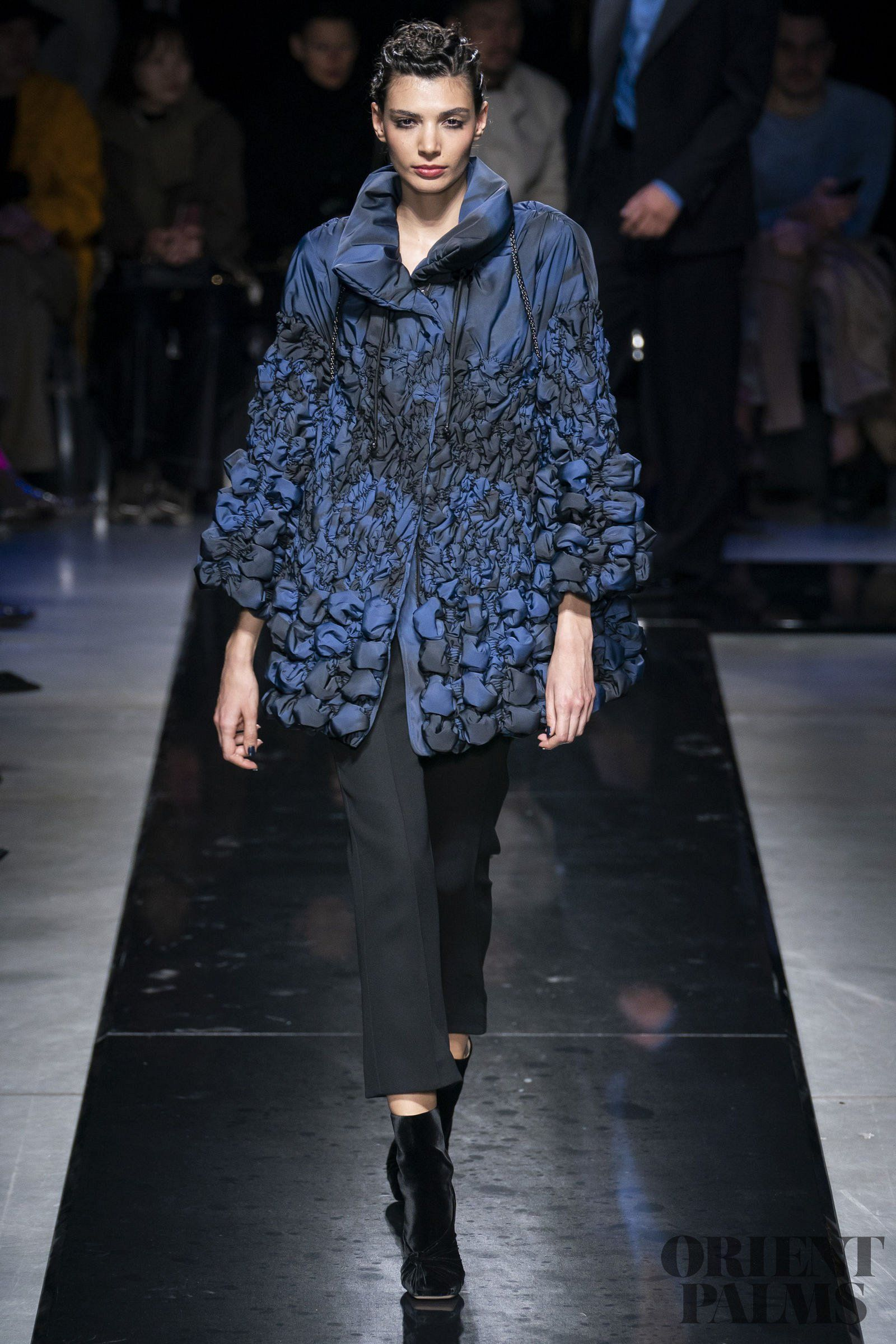Urban Fashion 2020.Giorgio Armani Fall Winter 2019 2020 Ready To Wear In 2019