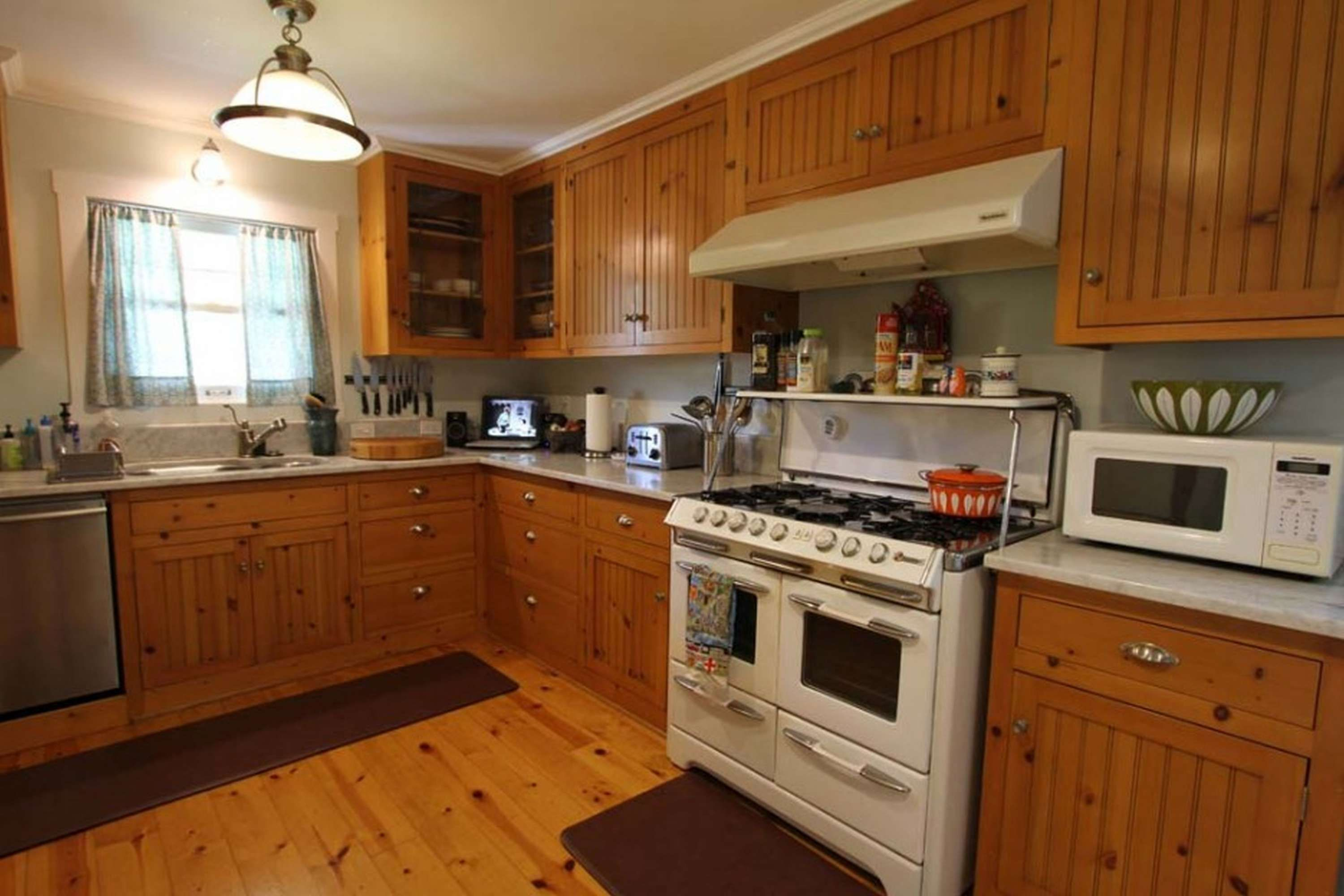 7 Excellent Kitchen Wood Color Combos Collection Pine Kitchen Wood Kitchen Kitchen Design