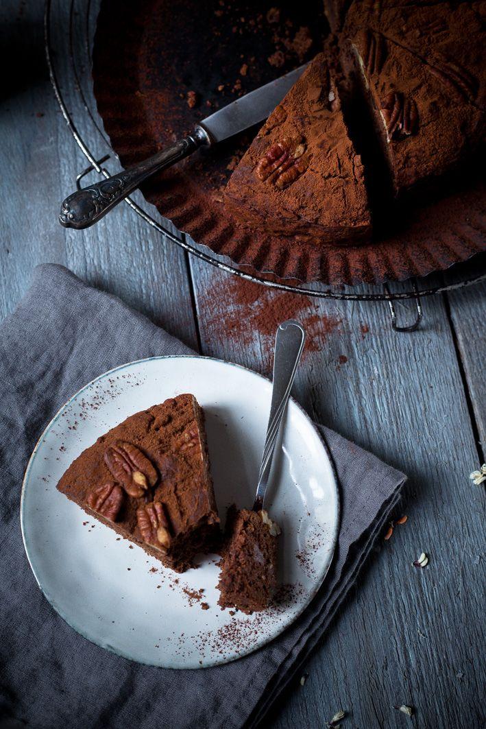Schokoladen-Dattel-Kuchen ohne Zucker