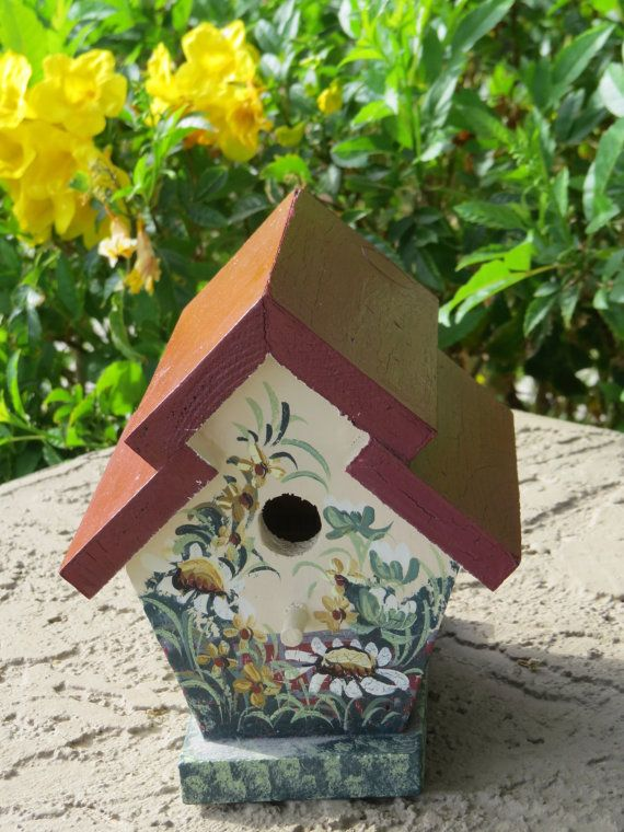 Painted birdhouse with white daisies and a burnt by Artworkbymaria, $9.99