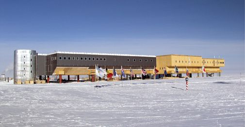 Where to travel if you really want to be alone - Amundsen-Scott Station, South Pole