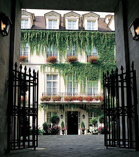 Pavillon De La Reine Paris With Images Paris Hotels Paris