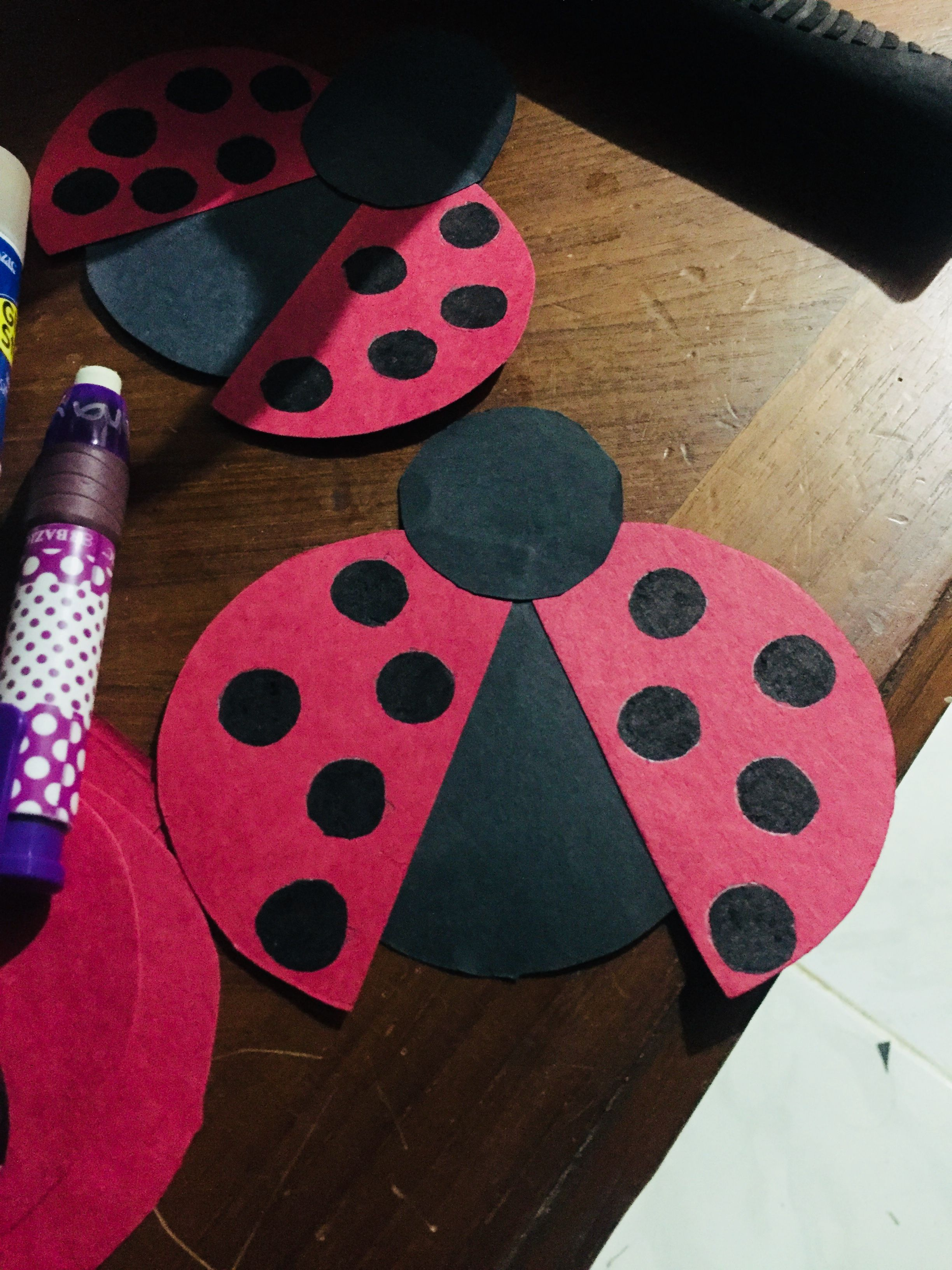 how to make bug decorations