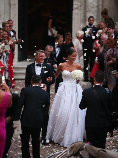 Mario Gomez Fur Carina Ist Es Nicht Die Erste Hochzeit Vintage Hochzeitskleid Schweinsteiger Hochzeit Kleid Hochzeit