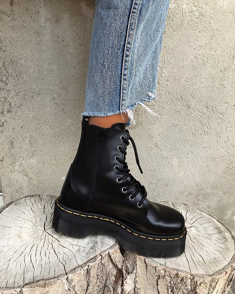 Pinterest: sarahxmartinez in 2020 | Boots, Dr martens boots