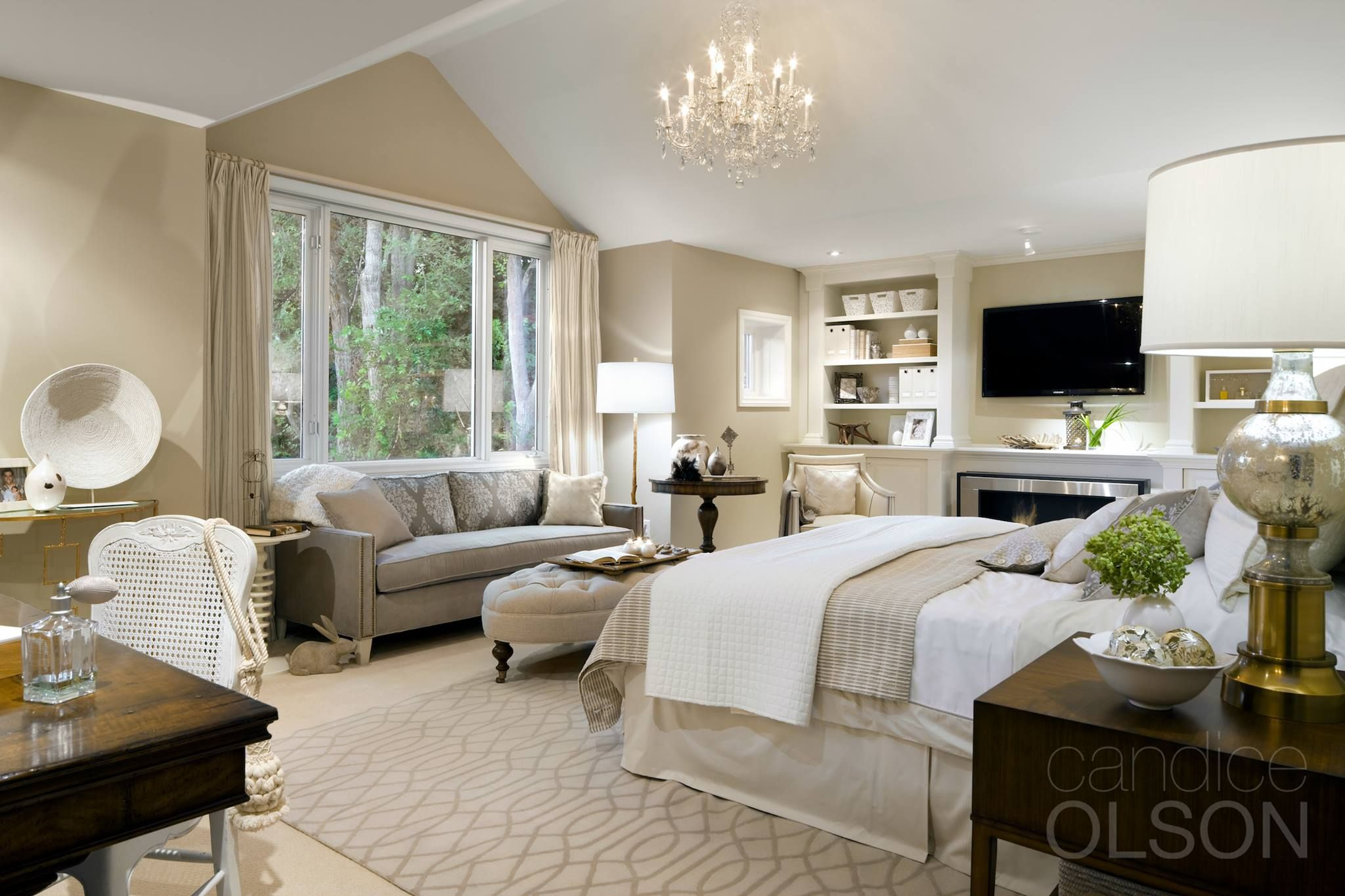 Drawing inspiration from this Candice Olson master bedroom Swoon