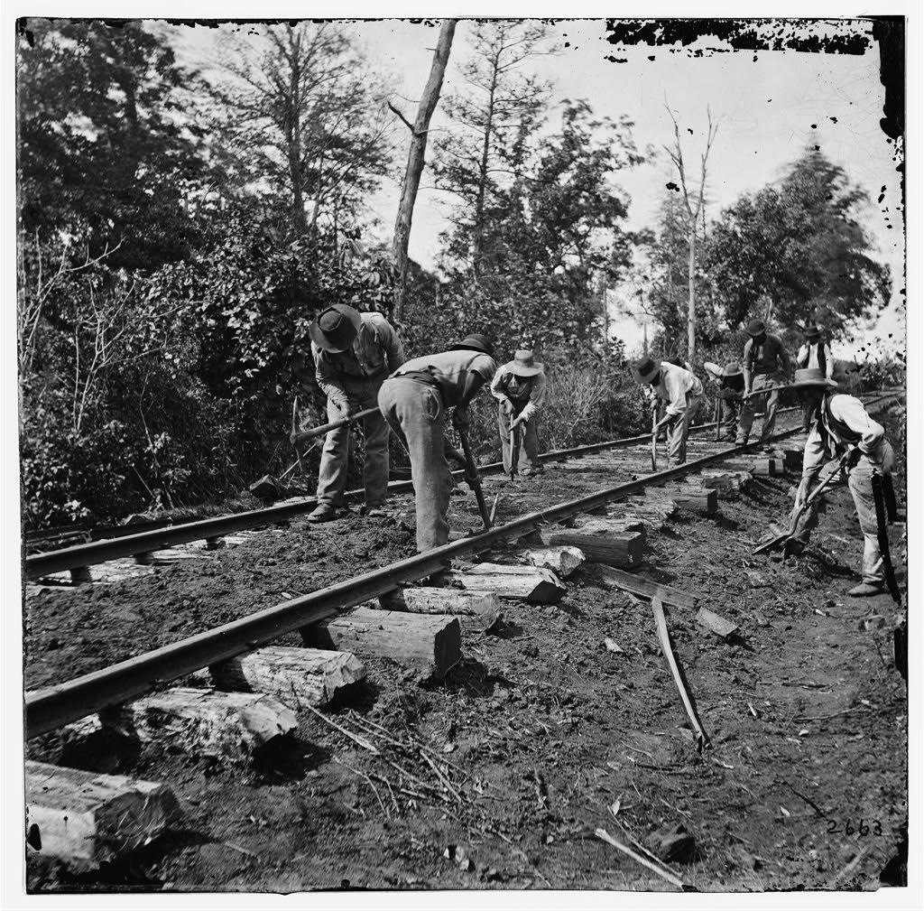 civil war battle coloring pages stones river | Murfreesboro, Tenn., vicinity. Men repairing single-track ...