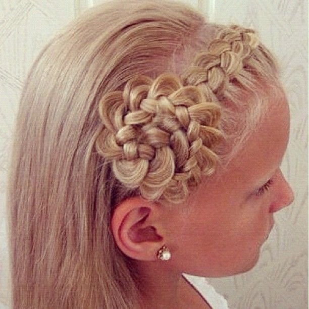 Gorgeous braid -flower. I don't even know remotely how to attempt this, will be requesting backup.