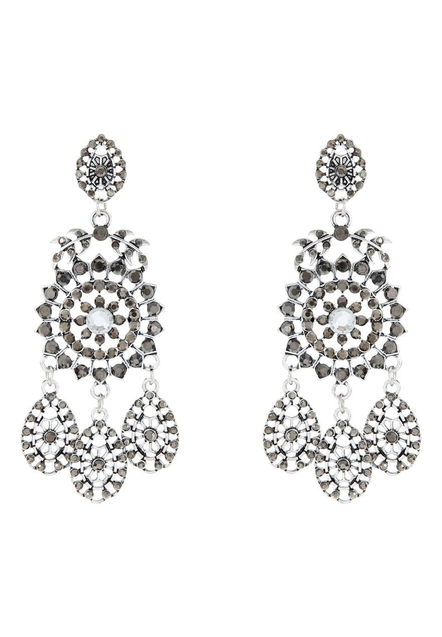 Create a statement this season with these chandelier earrings. Featuring a tiered effect with black stones and antique silver metal, these will definitely cr...