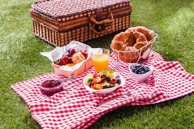 Picnic Romántico En El Campo Unas Ideas Originales Picnic Romántico Comida Picnics Románticos Recetas Para Picnic