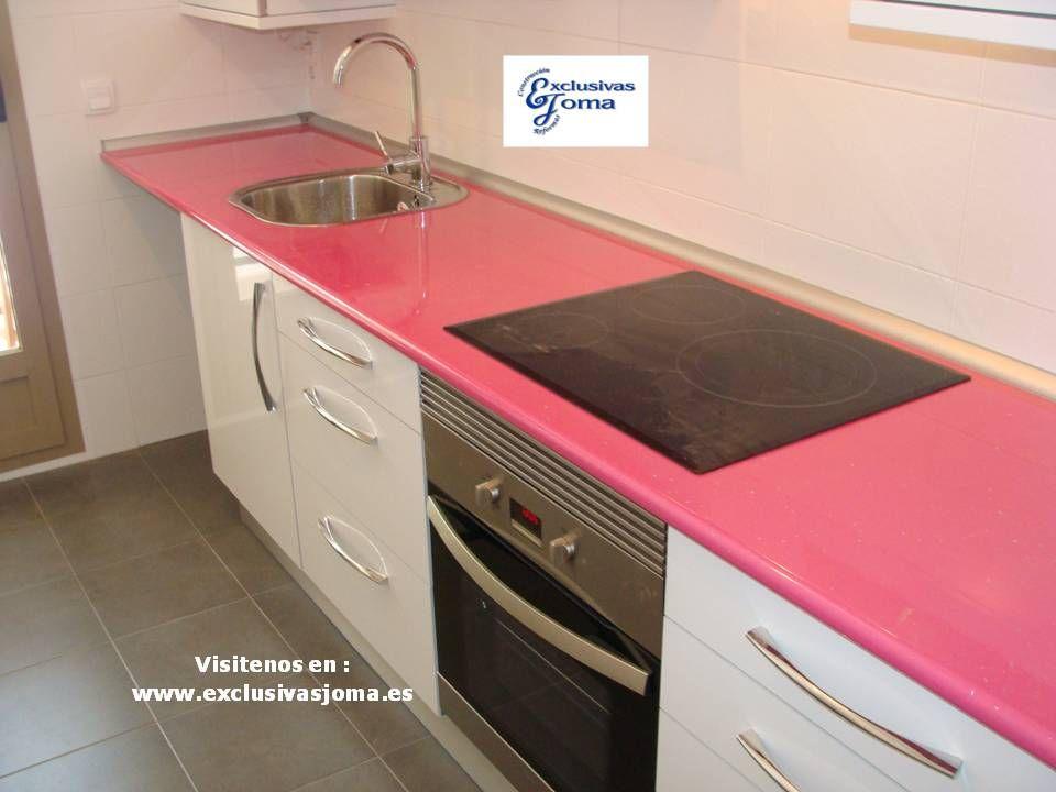 Muebles de cocina a medida en color blanco alto brillo con - Muebles de formica ...