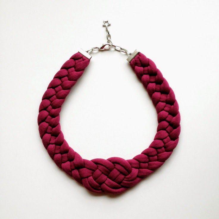 11117d955347 VENTA el collar nudo hecho a mano en tela de por birdienumnumshop. Collar  de trapillo con nudo marinero