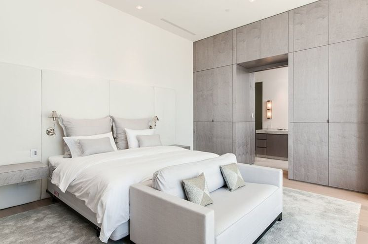 Contemporain Chambre by Planning and Building, Inc