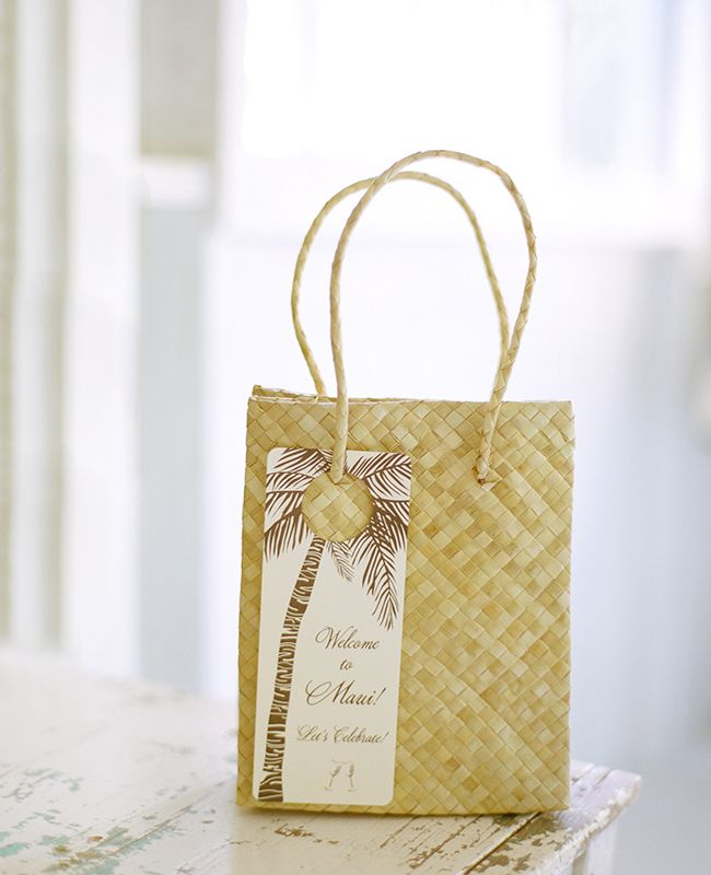 Wedding Gifts From Hawaii: Everything About This Hawaii Wedding Is Beautiful