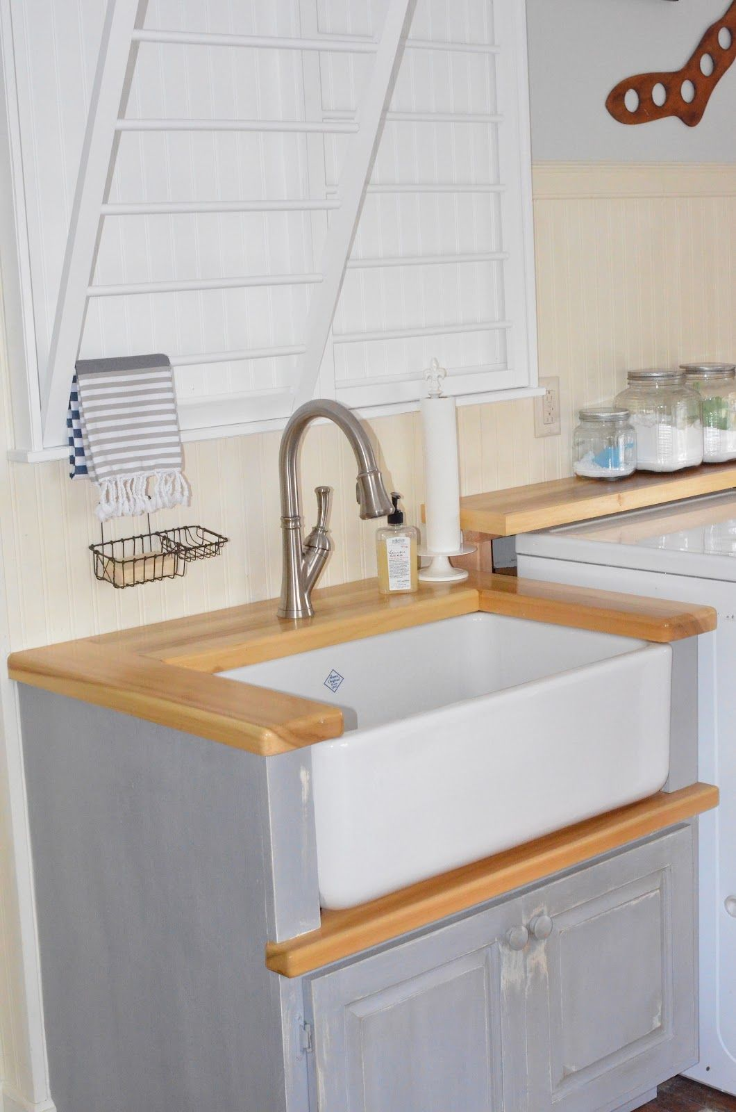 Apron Front Laundry Sink Cabinet Bing Images Laundry Room Sink
