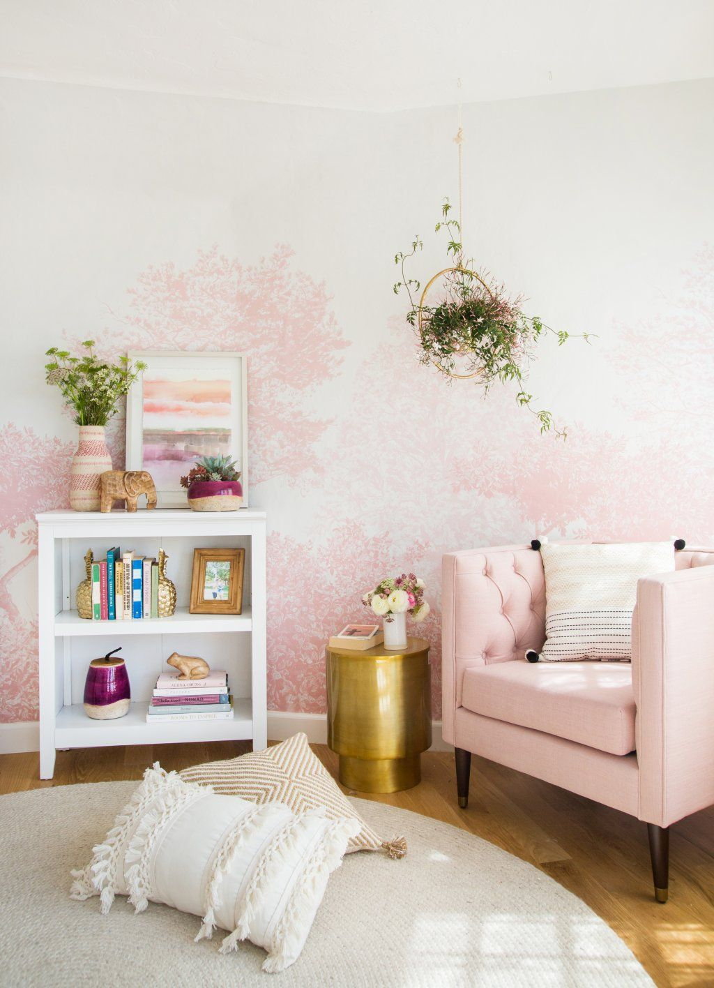Wall decor for teen bedroom pink on the walls and hanging plants  hogar  pinterest  hanging