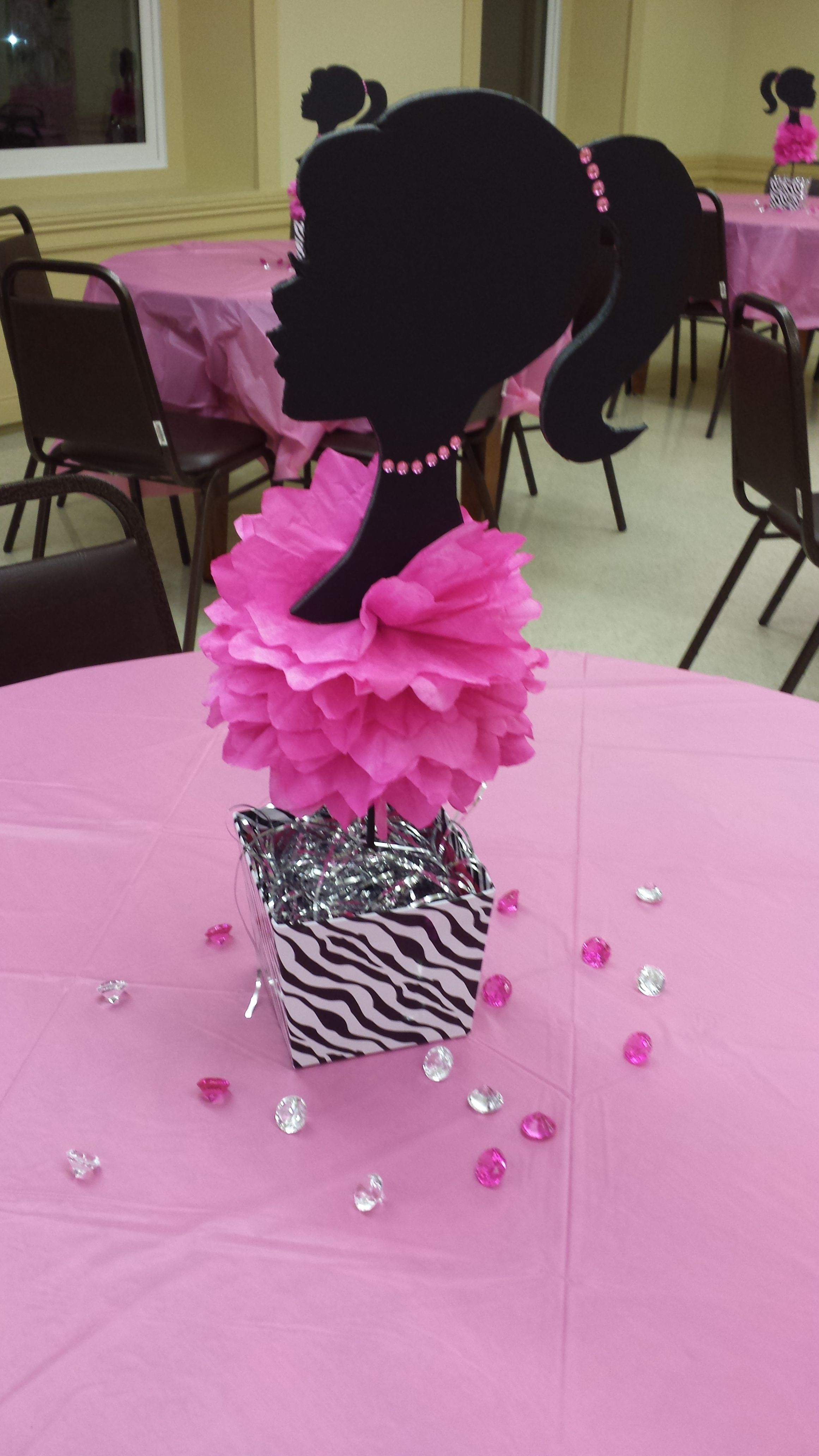 Barbie centerpieces barbie birthday party pinterest for Decoration barbie