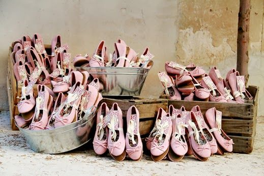confesiones de una boda: regalar bailarinas y zapatillas para el