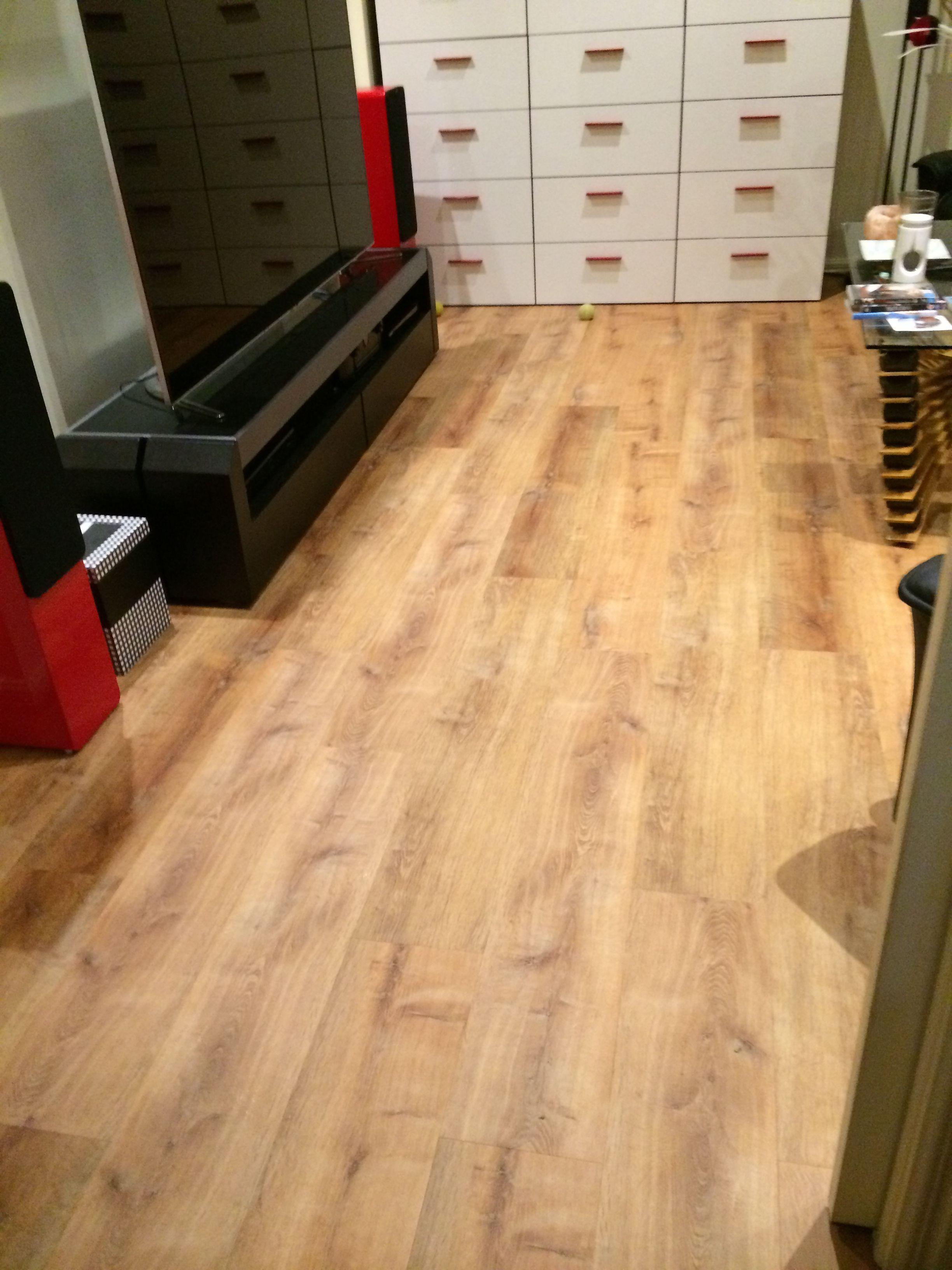 Allure locking 220 gen 3 vinyl plank flooring golden oak natural allure locking 220 gen 3 vinyl plank flooring golden oak natural dailygadgetfo Gallery