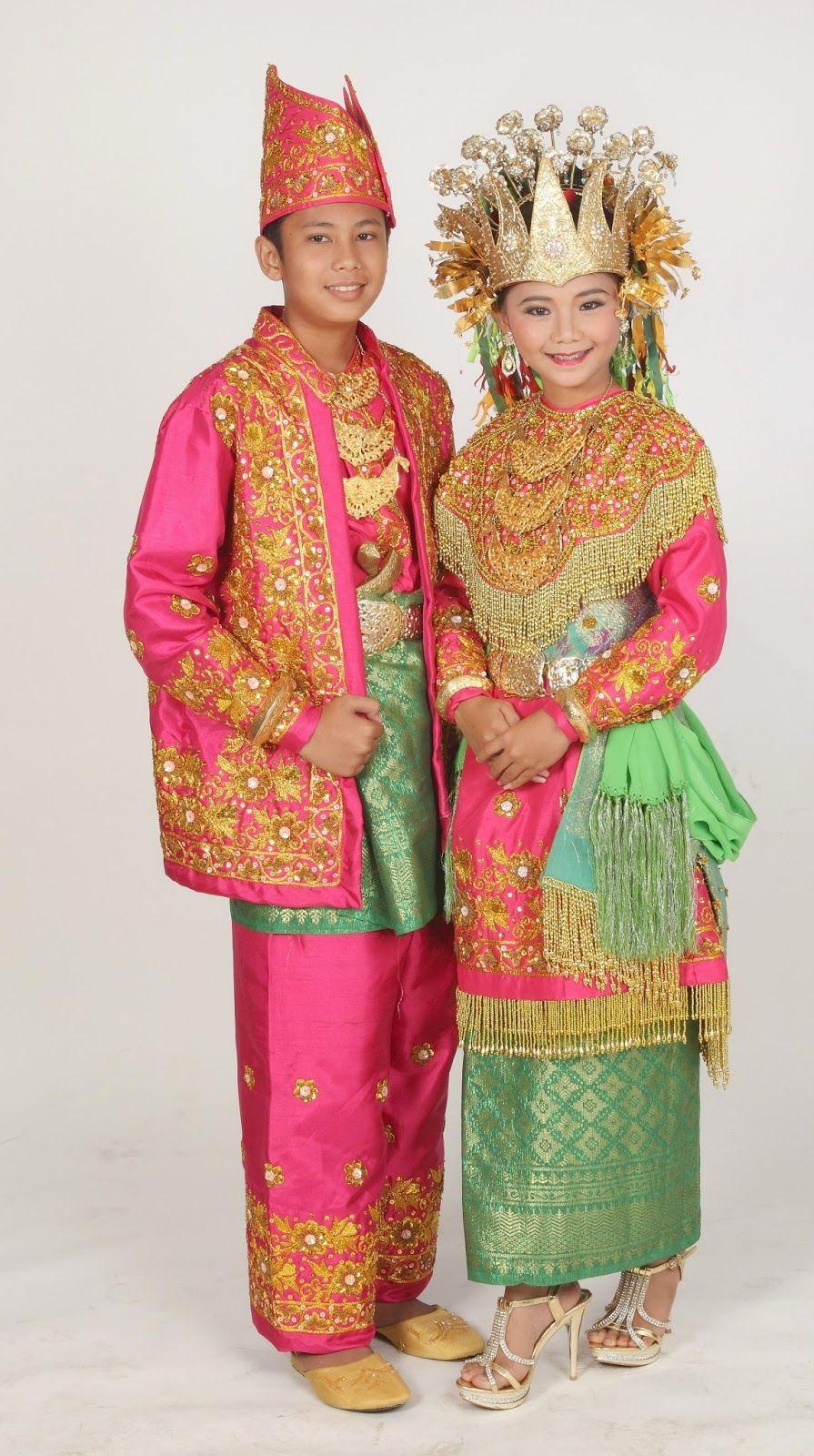 gambar dan nama pakaian adat tradisional dari 33 provinsi di