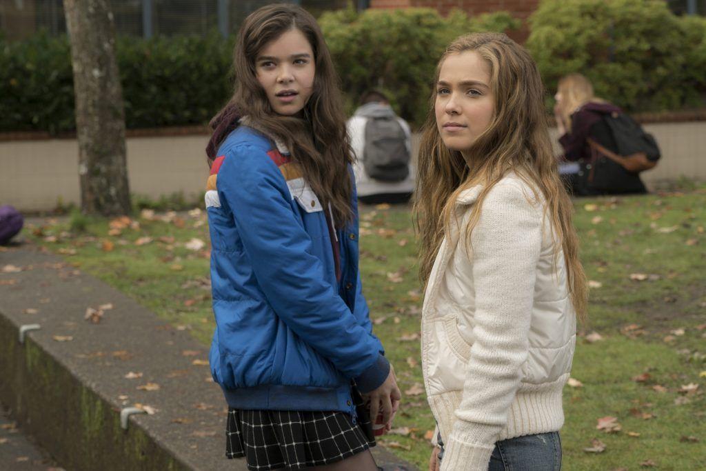 Watch Hailee Steinfeld In The Uk Trailer For The Edge Of Seventeen Here Haley Lu Richardson Peliculas Para Adolescentes Peliculas De Adolecentes